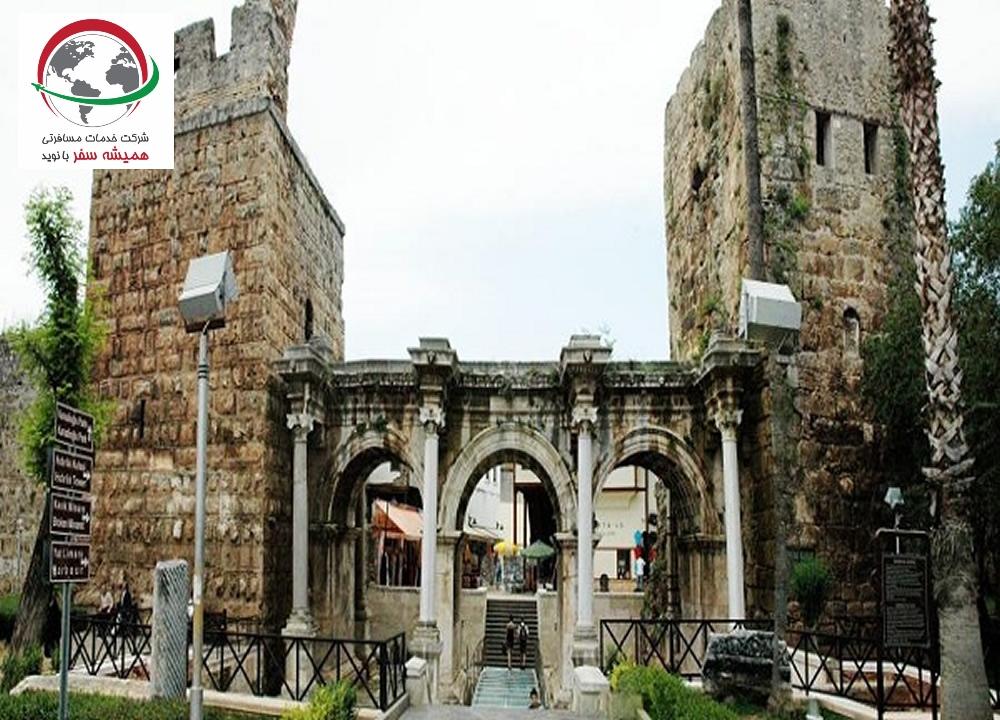 دروازه هادریان
