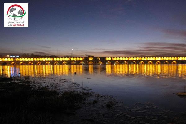 دسترسی به زیباترین پل نصف جهان