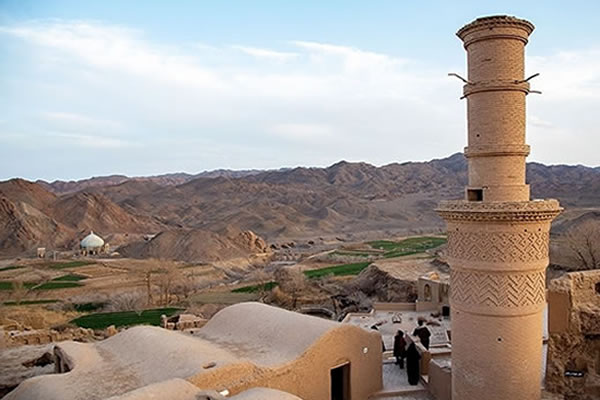 Minar Janban Khoranagh,
