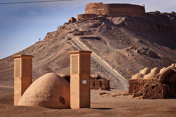برج خاموشان یزد